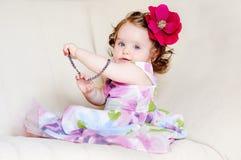 Schätzchen-Mädchen-Halsketten Stockbild