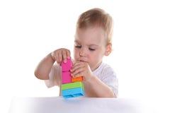 Schätzchen mit Spielzeugblöcken 2 Lizenzfreies Stockfoto