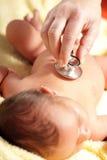 Schätzchen mit Stethoskop Stockfotografie