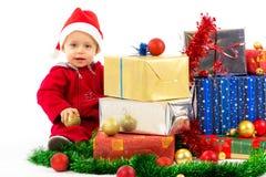 Schätzchen mit Weihnachtsgeschenken Lizenzfreie Stockfotos