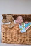 Schätzchen und Teddybär Stockfotografie