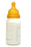 Schätzchenflasche mit Milch Lizenzfreies Stockfoto