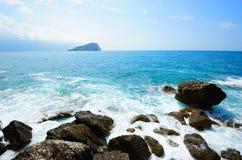 Schäumende Seelandschaft Lizenzfreie Stockfotografie
