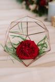 Schön Abstraktion mit roter Blume Stockfotos