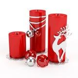 Schön? andles mit Weihnachtsdekorationen Stockbilder