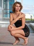 Schön, sexy, schreiben Junge Frau Lizenzfreie Stockbilder
