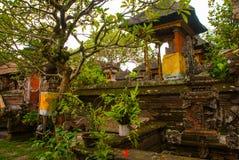 Schön verziert mit traditionellem Balineseeingang zum Haus Ubud Lizenzfreies Stockfoto