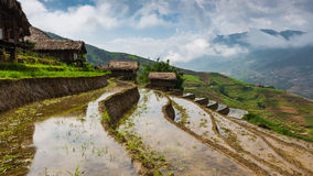 Schön von strömender Wasserjahreszeit im Hochland von Vietnam Lizenzfreie Stockfotografie