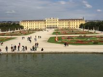 Schönbrunn. Palace and the garden in viena city Royalty Free Stock Photos