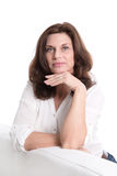 Schöne ältere Frau lokalisiert auf Weiß. Lizenzfreie Stockfotos