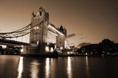 Schöne Abend-Ansicht der Turm-Brücke, London, Großbritannien Stockbild