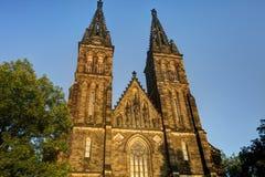 Schöne alte Basilika von St Peter und von Saint Paul, Vysehrad, Prag, Tschechische Republik Stockbilder