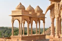 Schöne alte Ehrengrabmale von rawal Königen in bada baagh jaisalmer Rajasthan Indien Lizenzfreie Stockfotos