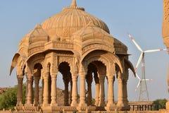 Schöne alte Ehrengrabmale von rawal Königen in bada baagh jaisalmer Rajasthan Indien Stockfotos