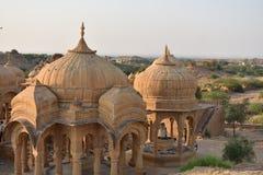 Schöne alte Ehrengrabmale von rawal Königen in bada baagh jaisalmer Rajasthan Indien Stockbild