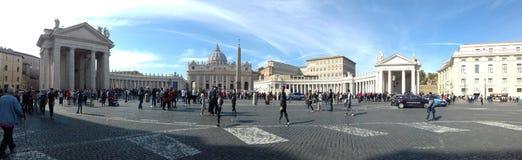 Schöne alte Fenster in Rom (Italien) lizenzfreie stockfotografie