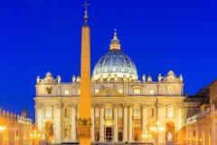 Schöne alte Fenster in Rom (Italien) lizenzfreie stockfotos