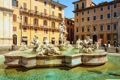 Schöne alte Fenster in Rom (Italien) stockfotografie
