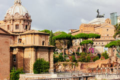 Schöne alte Fenster in Rom (Italien) Alte Ruinen des Forums Lizenzfreies Stockfoto