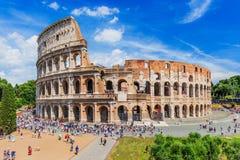 Schöne alte Fenster in Rom (Italien) stockbild