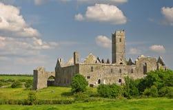 Schöne alte irische keltische Schlosslandschaft Stockfotos