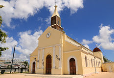 Schöne, alte Kirche in Port Louis, groß-Terre, Guadeloupe (Frankreich) Lizenzfreie Stockfotos