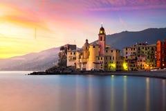 Schöne alte Mittelmeerstadt zur sinrise Zeit Lizenzfreies Stockfoto