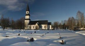 Schöne alte schwedische Kirche Stockfotografie