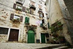 Schöne alte Stadthäuser Lizenzfreies Stockbild