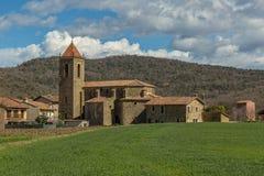 Schöne alte Steinhäuser im spanischen alten Dorf Stockfotografie
