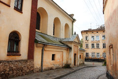 Schöne alte Straße des 17. Jahrhunderts Stockfotos