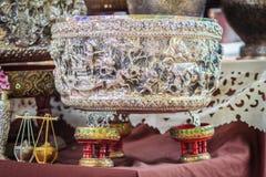 Schöne alte thailändische echte silberne Schüssel, Retro- graviertes silve Stockfotos