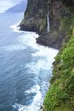 Schöne Ansicht über Brautschleier-Wasserfall auf Madeira-Insel lizenzfreie stockfotos