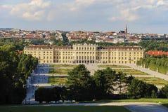 Schöne Ansicht berühmten Schloss-Belvedere, aufgebaut von Johann Lukas von Hildebrandt als Ferienhaus für Prinzen lizenzfreies stockfoto
