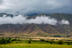 Schöne Ansicht der Berge stockfotos