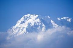 Schöne Ansicht der Himalajaberge mit Schnee Lizenzfreie Stockbilder