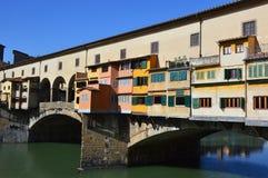 Schöne Ansicht der schönen Ansicht von Brücke Ponte Vecchio über dem Arno, Florenz, Italien der Arno mit Häusern, Florenz, Italie Stockbild
