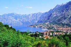 Schöne Ansicht der Seestadt Stockfotos