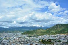Schöne Ansicht der Shangri-La Stadt Tibet, China lizenzfreies stockfoto