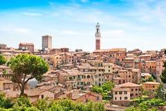 Schöne Ansicht der Stadt von Siena, Italien Stockbilder