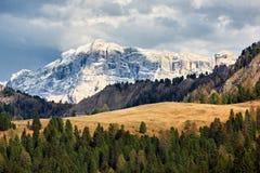 Schöne Ansicht des alpinen Berges Nördlich von Italien Landschaft Stockfotos