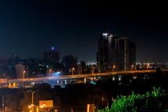 Schöne Ansicht des Blitzes in der Nachtstadt Rostov On Don, Russland Stockfotografie