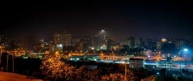 Schöne Ansicht des Blitzes in der Nachtstadt Rostov On Don, Russland Lizenzfreie Stockfotos