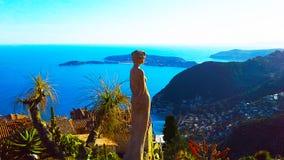 Schöne Ansicht des Dorfs von Eze, ein botanischer Garten mit Kakteen, Mittelmeer-, französisches Riviera Lizenzfreies Stockbild