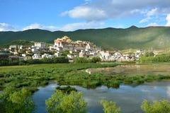Schöne Ansicht des Klosters Ganden Sumtseling in Shangri-La Lizenzfreie Stockbilder