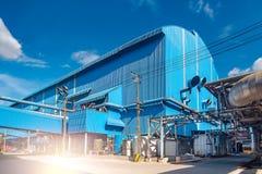 Schöne Ansicht des Kraftwerks in der Zuckerraffineriefabrik Sugar Industrial in Thailand stockfotos