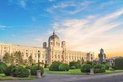 Schöne Ansicht des Museums von Art History und von Bronzemonument der Kaiserin Maria Theresa in Wien, Österreich lizenzfreie stockfotos