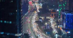 Schöne Ansicht des Nachtverkehrs in Jakarta stock footage