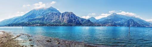 Schöne Ansicht des szenischen Como Seepanoramas, Lombardei, Italien stockfoto