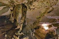 Schöne Ansicht in Ledenika-Höhle, Bulgarien Lizenzfreies Stockbild